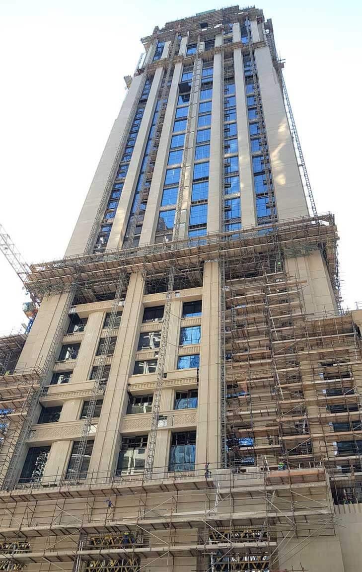 Mast Cimber of Waldorf Hotel